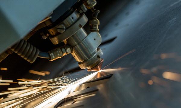 Sparking cutting machine for steel