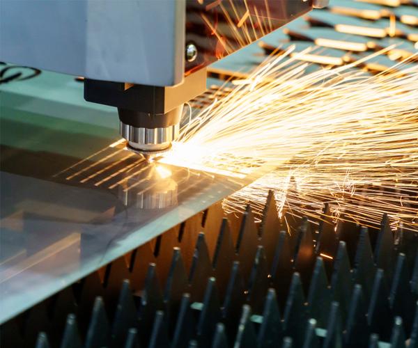 The fiber laser cutting machine controller by CNC program